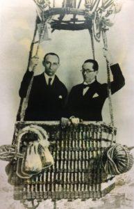 Photo publicitaire avec Ozenfant et Jeanneret pour la revue L'Esprit Nouveau, 1921-1922