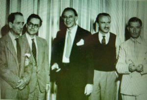 Black Mountain College, Caroline du Nord, 1944, de gauche à droite: Joseph de Creeft, Jean Charlot, Amédée Ozenfant, Bernard Rudolfsky, Josef Albers